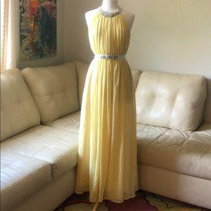 Size 8 floor length yellow Boston Proper gown